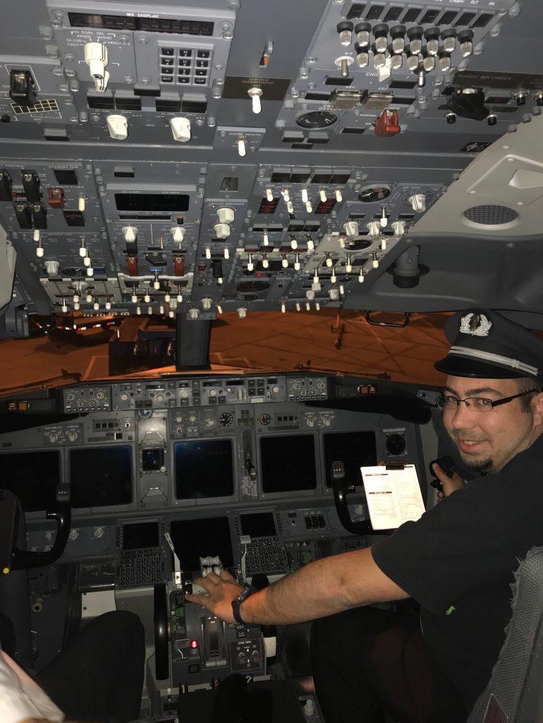 Cockpit 737-800 Controls