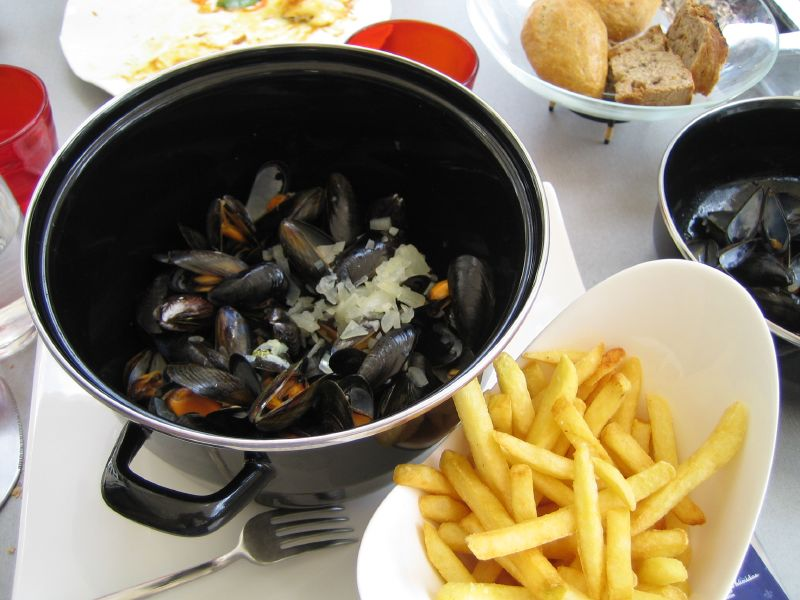 Moules-Frites-mussels