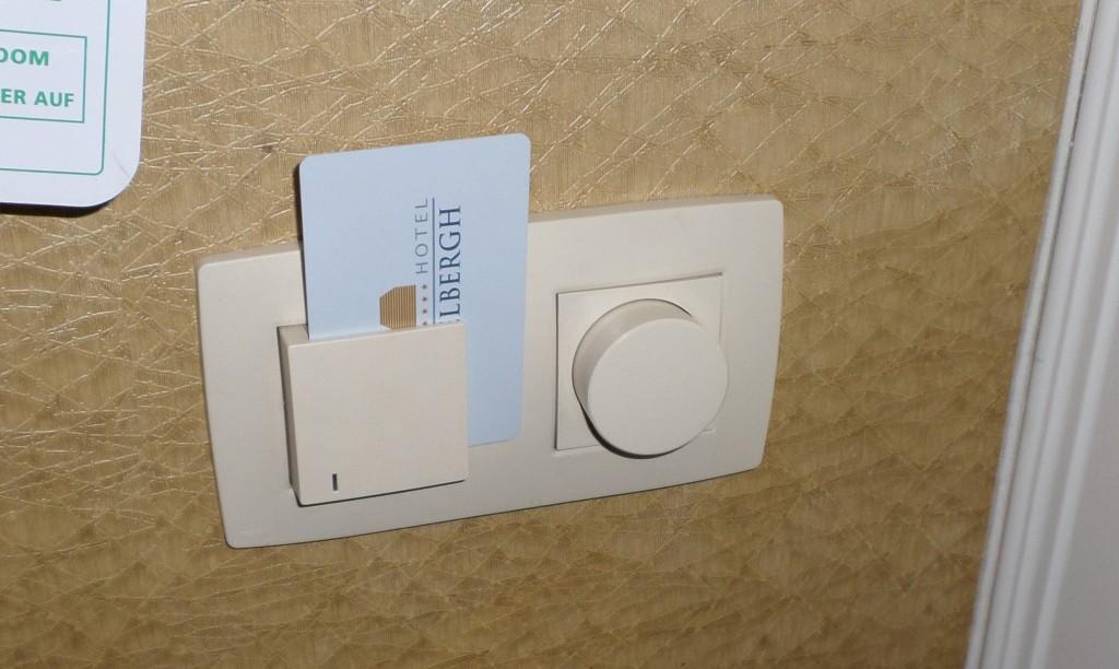 hotel-key-card-room-lights-slot